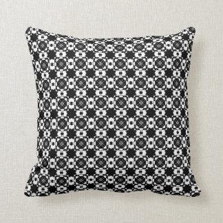 Almofada Design preto & branco gráfico