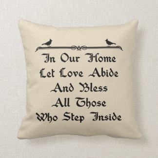 Almofada Em nossa casa deixe o amor habitam no travesseiro