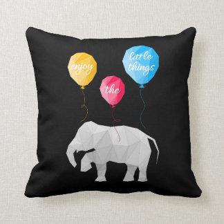 Almofada enjoy elephant the little things pillow
