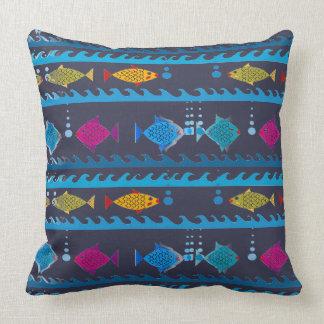 Almofada Escola dos peixes no travesseiro decorativo