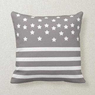 Almofada Estrelas & listras cinzentas e brancas