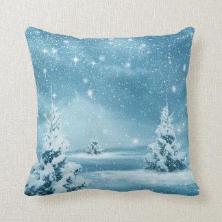 Almofada Feliz Natal azul & branco da neve decorativa da