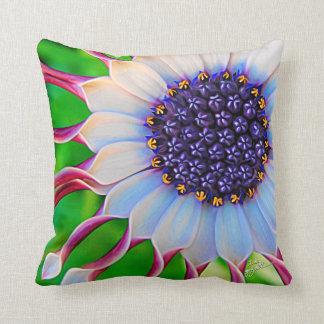 Almofada Feminino moderno da flor floral roxa da margarida