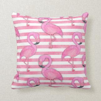 Almofada Flamingo da aguarela em listras cor-de-rosa