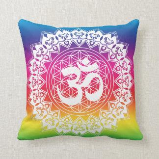 Almofada Flor de OM do travesseiro do arco-íris da mandala