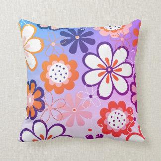 Almofada Flor roxa retro do jardim do vintage floral da