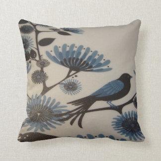 ALMOFADA FLORES DO BLUEBIRD