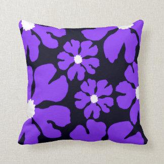 Almofada Flores roxas que nivelam o travesseiro decorativo