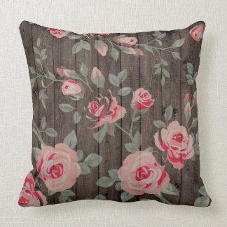 Almofada Folhas cor-de-rosa bonitos do verde dos rosas na