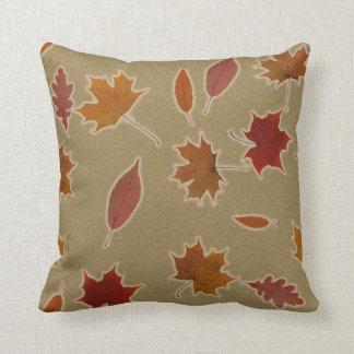 Almofada Folhas de outono da natureza com fulgor na cor
