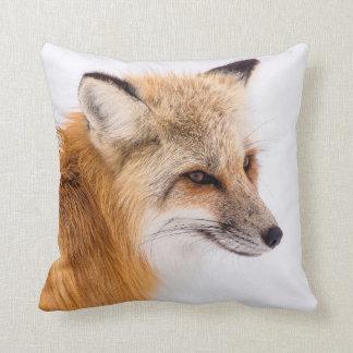 Almofada Fox vermelho na neve
