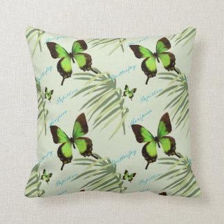 Almofada Frondas verdes da borboleta e da palma