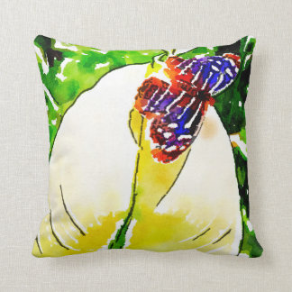 Almofada Fundo verde, borboleta das flores brancas