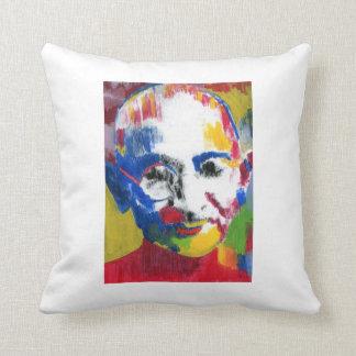 Almofada Gandhi enfrenta do travesseiro das cores