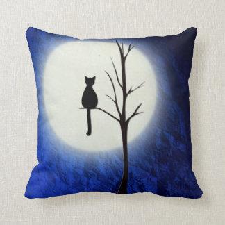 Almofada gato preto no travesseiro decorativo da árvore 2