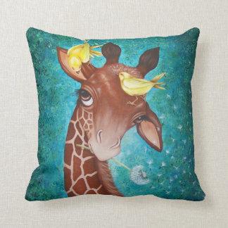 Almofada Girafa bonito com pássaros