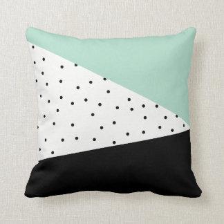 Almofada Hortelã e travesseiro geométrico do preto