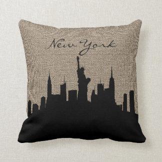 Almofada Impressão de serapilheira com o marco de New York