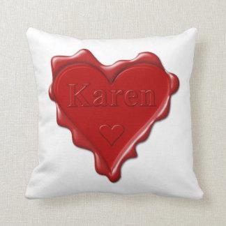 Almofada Karen. Selo vermelho da cera do coração com Karen