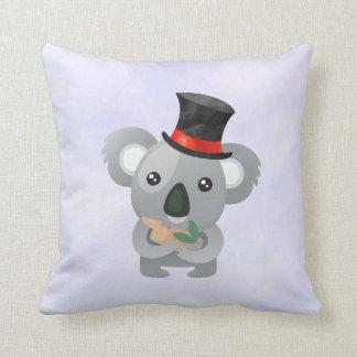 Almofada Koala bonito em um chapéu alto preto