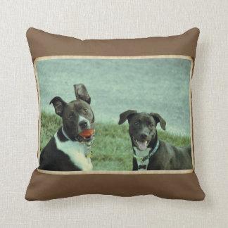 Almofada Laboratório e travesseiro pretos do cão de Terrier