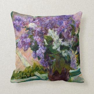 Almofada Lilacs de Mary Cassatt em uma janela