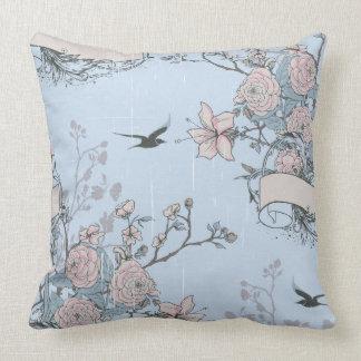 Almofada Lírios e rosas cor-de-rosa no travesseiro