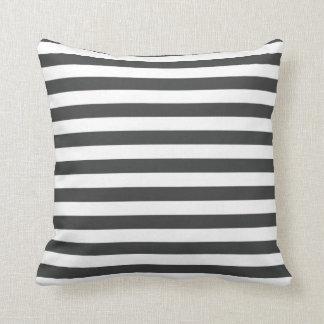 Almofada Listrado preto e branco simples