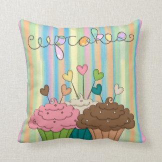 Almofada Listras e cupcakes do arco-íris