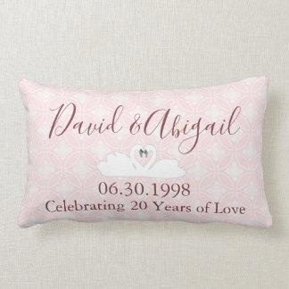 Almofada Lombar 20o Damasco cor-de-rosa e branco do aniversário de