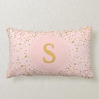 Almofada Lombar Cora a inicial cor-de-rosa do monograma dos pontos
