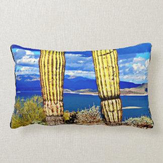 Almofada Lombar Dos Saguaros agradáveis da coluna do lago