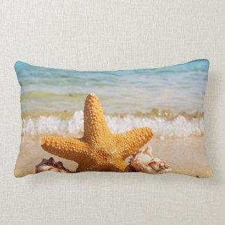 Almofada Lombar Estrela do mar e Seashells na praia