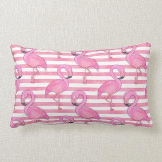 Almofada Lombar Flamingo da aguarela em listras cor-de-rosa