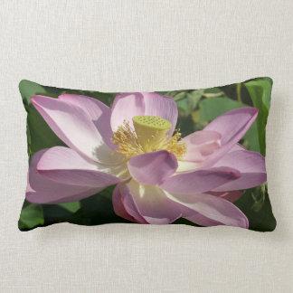 Almofada Lombar Floral calmo da flor de Lotus II cor-de-rosa