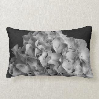 Almofada Lombar Hydrangea preto & branco do travesseiro decorativo