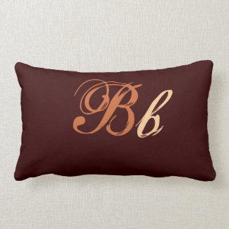 Almofada Lombar Monograma dobro de B em Brown e em bege