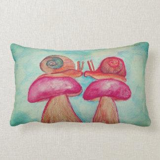 Almofada Lombar Os caracóis crescem rapidamente o travesseiro