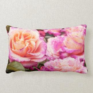 Almofada Lombar Pétalas cor-de-rosa