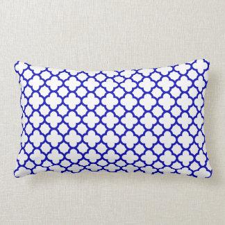 Almofada Lombar Quatrefoil branco azul escuro