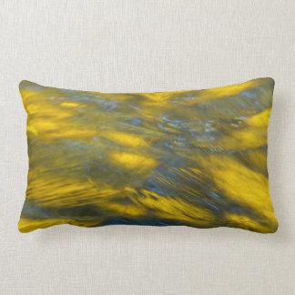 Almofada Lombar Reflexões da queda nas cinzas e no amarelo