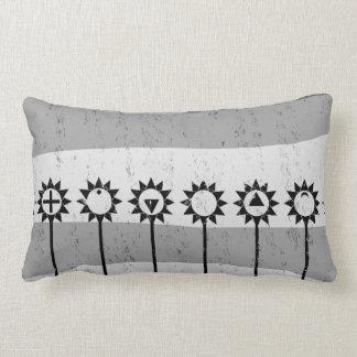Almofada Lombar Teste padrão de flor preto e branco do sol