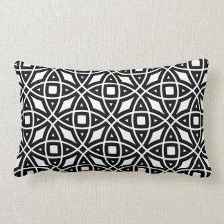 Almofada Lombar Teste padrão geométrico oriental em preto e branco