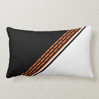 Almofada Lombar Tijolos alaranjados em preto e branco
