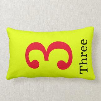 Almofada Lombar travesseiro amarelo com o número três