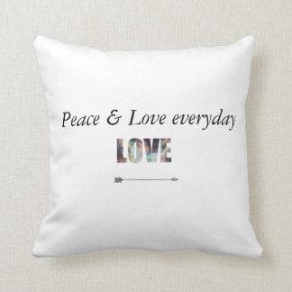 Almofada LOVE pillow