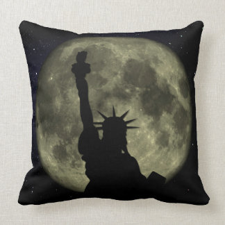 Almofada Lua e senhora Liberdade