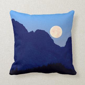 Almofada Lua super sobre o Tetons grande