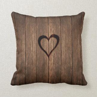 Almofada Madeira rústica impressão queimado do coração