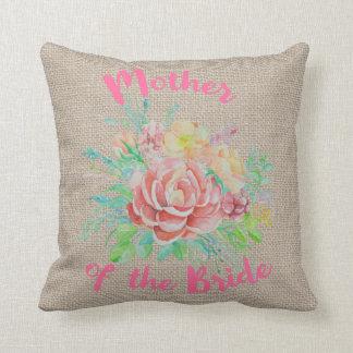 Almofada Mãe da serapilheira floral da aguarela da noiva
